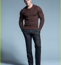 Alan Ritchson's picture