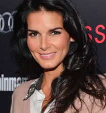 Angie Harmon's picture