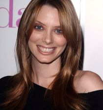 April Bowlby's picture