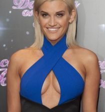 Ashley Roberts's picture