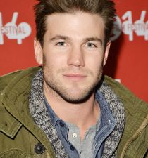 Austin Stowell's picture