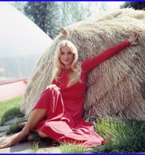 Barbara Bouchet's picture