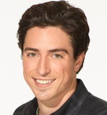 Ben Feldman (actor)'s picture