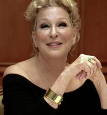 Bette Midler's picture