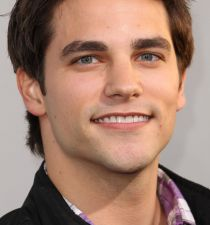 Brant Daugherty's picture