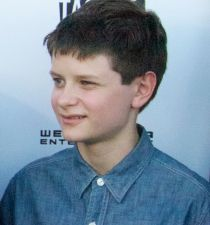 Charlie Tahan's picture