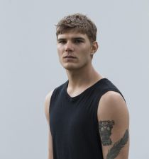 Chris Zylka's picture