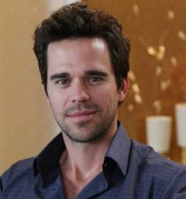 David Walton (actor)'s picture