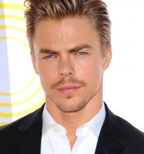 Derek Hough's picture
