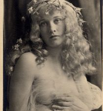 Dolores Costello's picture