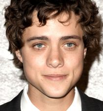 Douglas Smith (actor)'s picture