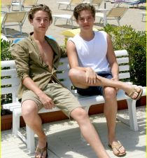 Dylan and Cole Sprouse's picture