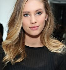 Dylan Penn's picture