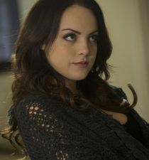 Elizabeth Gillies's picture