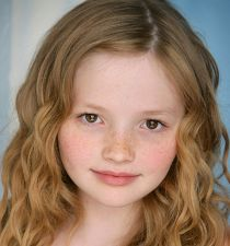 Emily Alyn Lind's picture