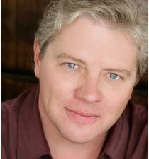 Guy Wilson (actor)'s picture