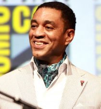 Harry Lennix's picture