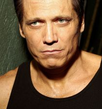 Holt McCallany's picture