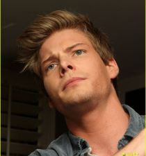 Hunter Parrish's picture