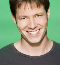 Ike Barinholtz's picture