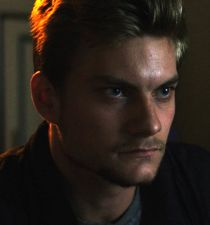 Jake Weary's picture