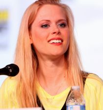 Janet Varney's picture