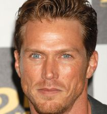 Jason Lewis (actor)'s picture