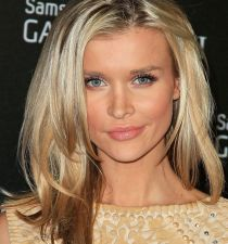 Joanna Krupa's picture