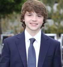 Joel Courtney's picture