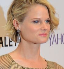Joelle Carter's picture