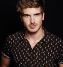 Joey Graceffa's picture