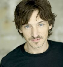 John Hawkes (actor)'s picture