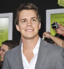 Johnny Simmons's picture