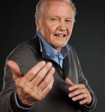 Jon Voight's picture