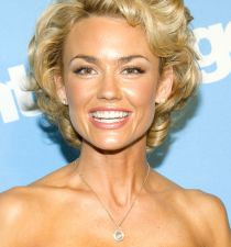 Kelly Carlson's picture