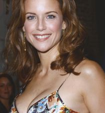 Kelly Preston's picture