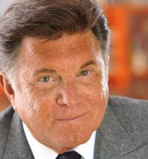 Larry Manetti's picture