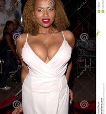 Lisa Nicole Carson's picture