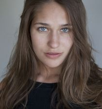 Lola Kirke's picture