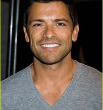 Mark Consuelos's picture
