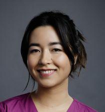 Maya Erskine's picture