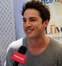 Michael Trevino's picture