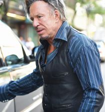Mickey Rourke's picture