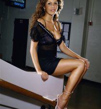 Nikki Cox's picture