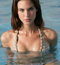 Odette Annable's picture