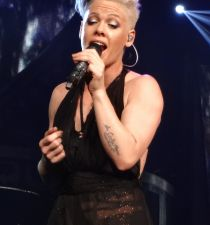 Pink (singer)'s picture