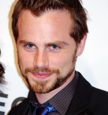 Rider Strong's picture
