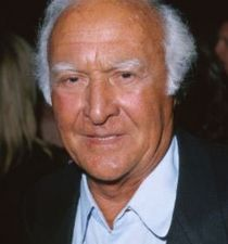 Robert Loggia's picture