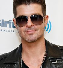 Robin Thicke's picture