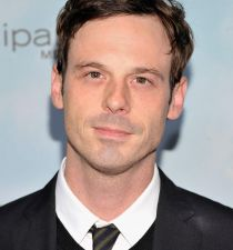 Scoot McNairy's picture